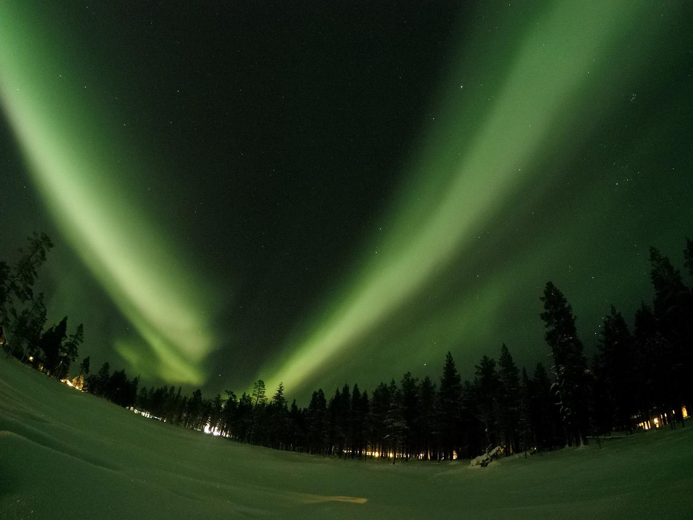 la-iarna-vedem-luminile-nordului-02