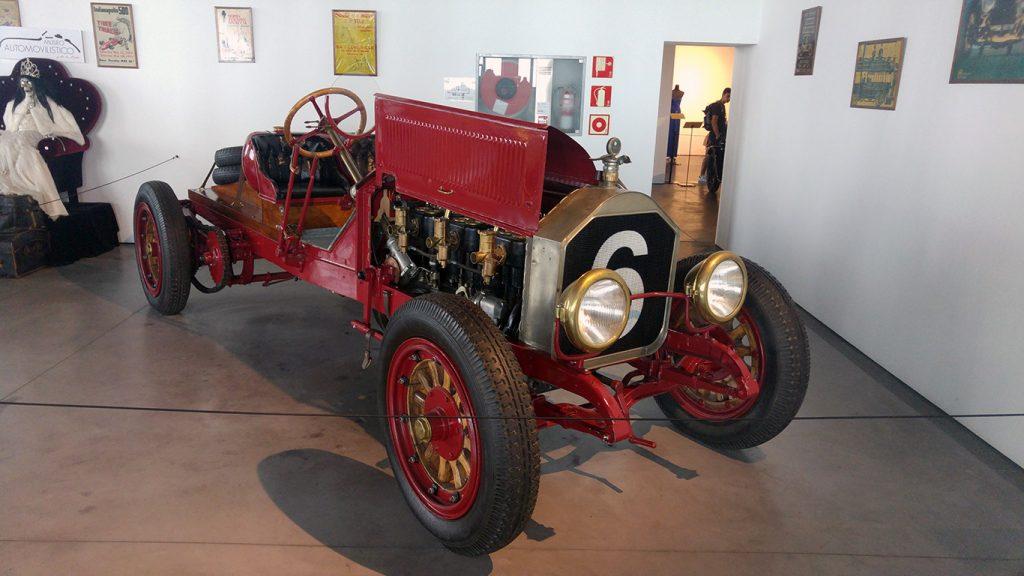 muzeul-automobilistic-din-malaga-1
