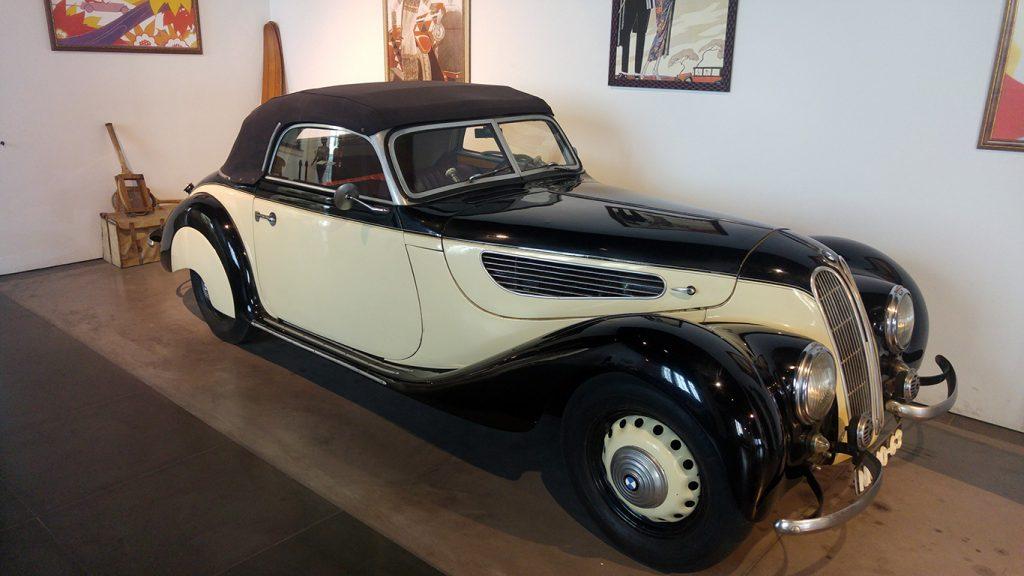 muzeul-automobilistic-din-malaga-7